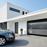 Porte d'entrée et porte de garage assorties - Façade harmonisée