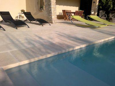 Margelle épaisse de Rouvière - Margelle piscine épaisse aspect pierre