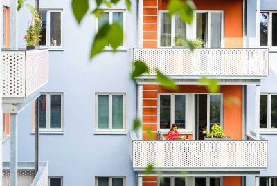 Remplissage de garde-corps de balcon : Panneau double face décor   Max Exterior labélisé biosourcé - Panneau biosourcé en stratifié compact