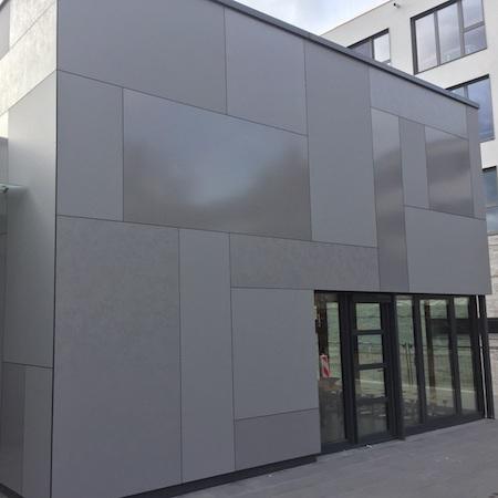 Trespa Meteon Lumen - Jeux de lumière en façade