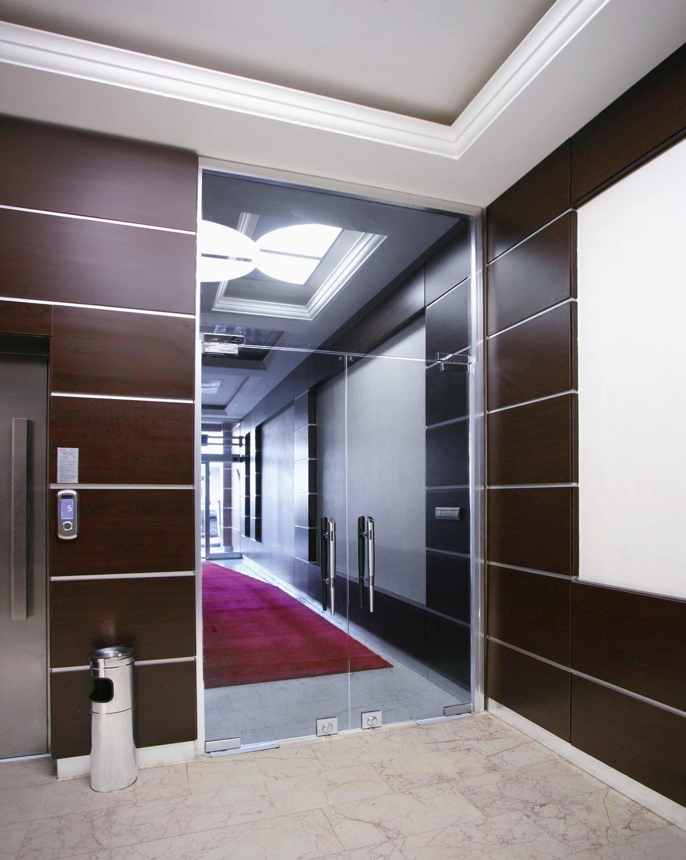 Panneau décoratif antibactérien à résistance élevée pour habillage mural intérieur | Max Compact Interior Plus | labélisé biosourcé - Panneau biosourcé en stratifié compact